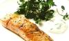 Лосось с лаймовым айоли и кресс-салатом
