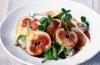 Салат из инжира, горгонзолы и хамона